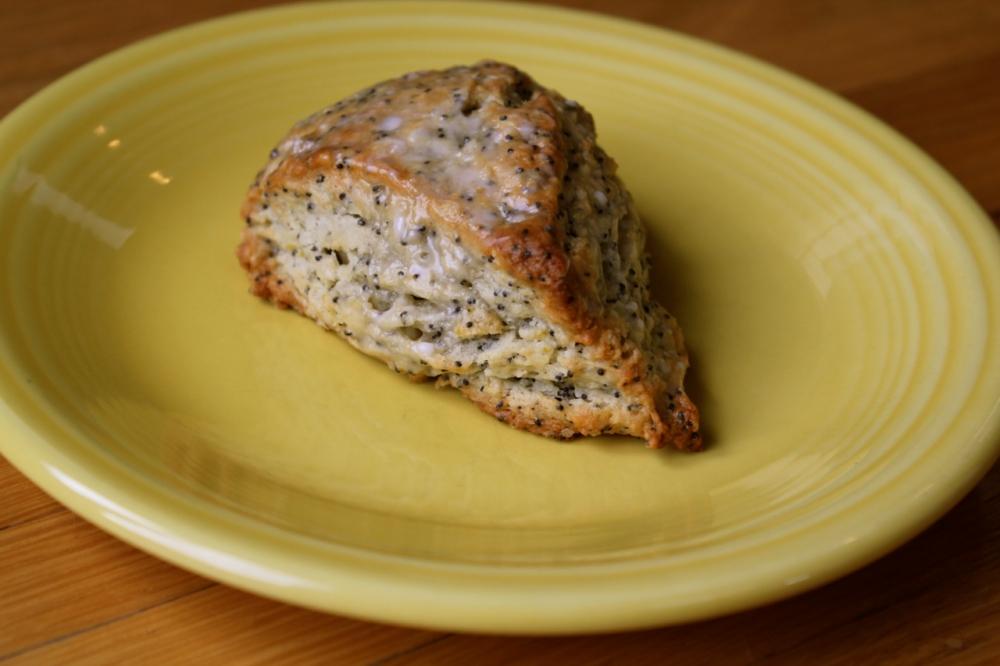 lemon poppyseed scone