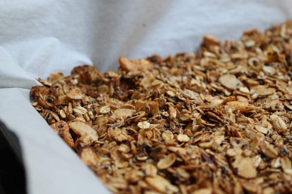 Granola chia cashew baked closeup