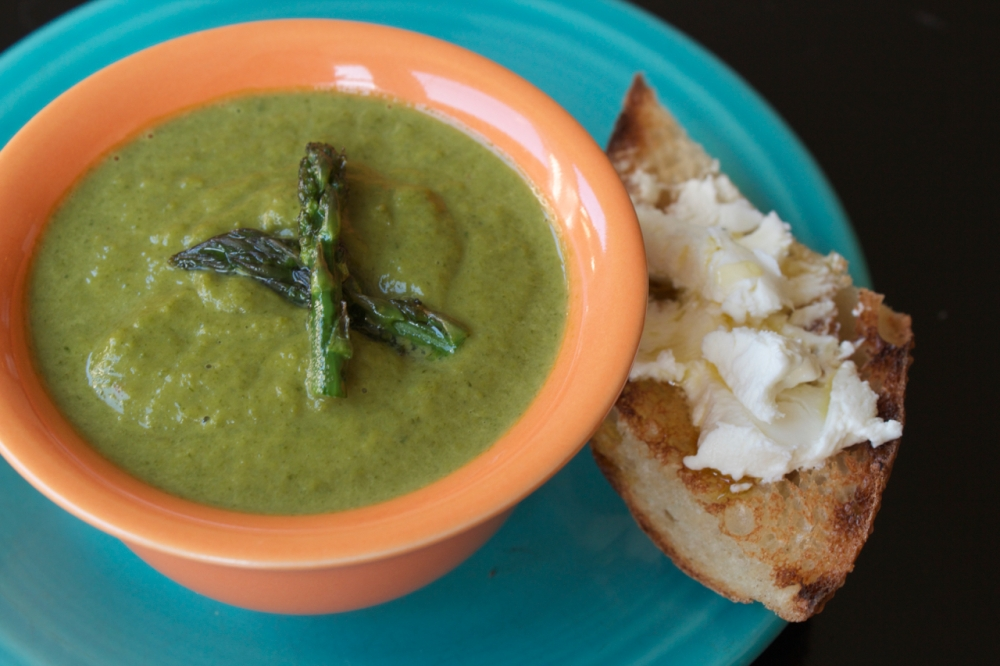 Asparagus Arugula Soup with chevre toast